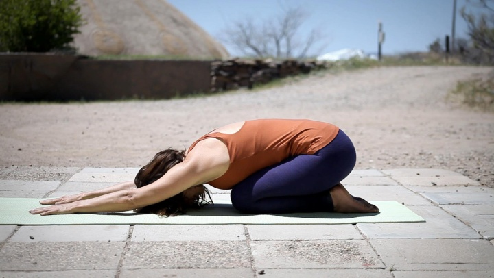 A Beginner's Guide to Yoga Poses - Simple Stress Reli...